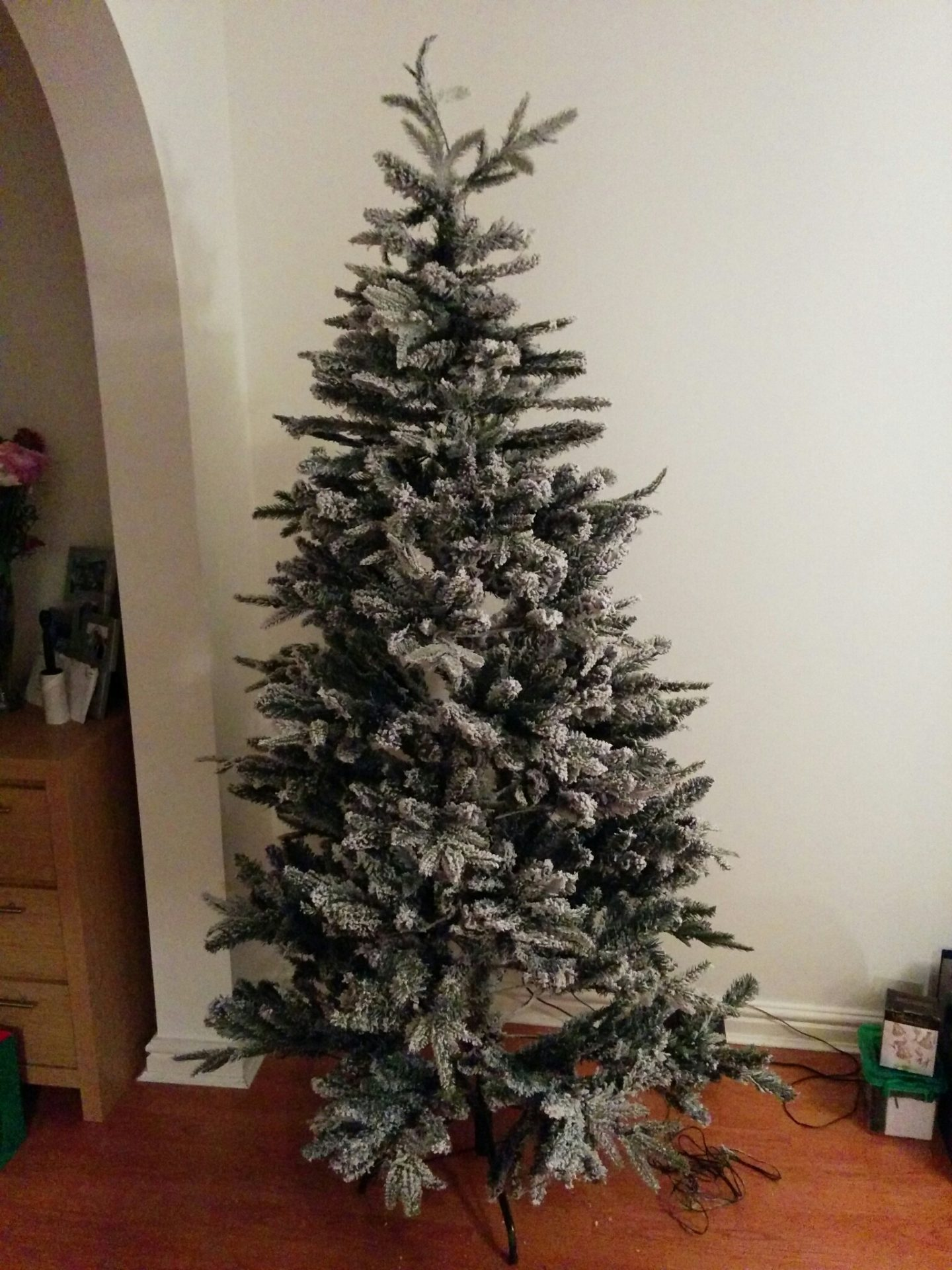 Linea Christmas tree assembled