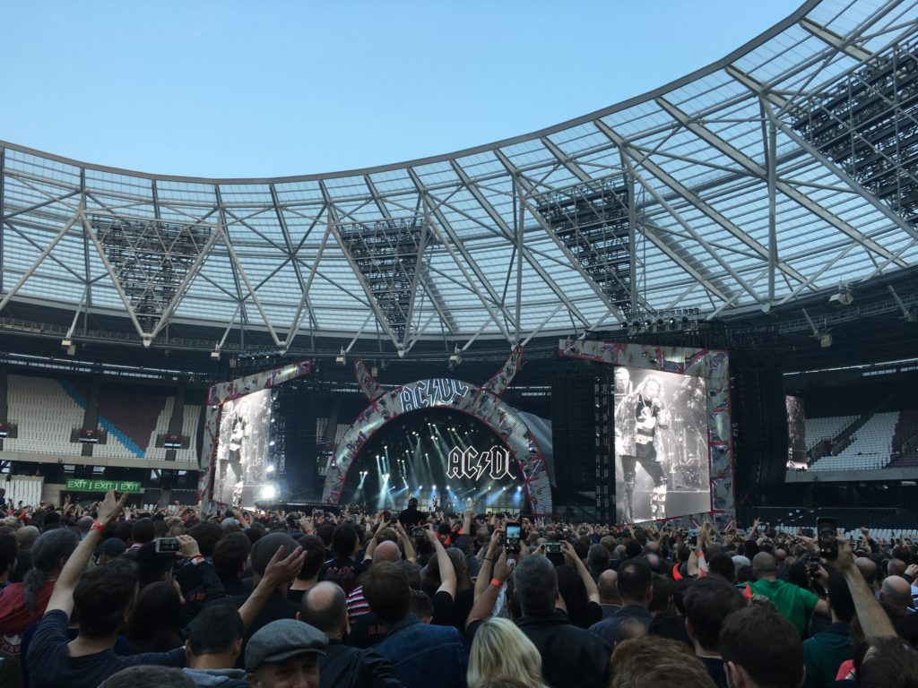 Axl Rose with AC/DC, Olympic Stadium