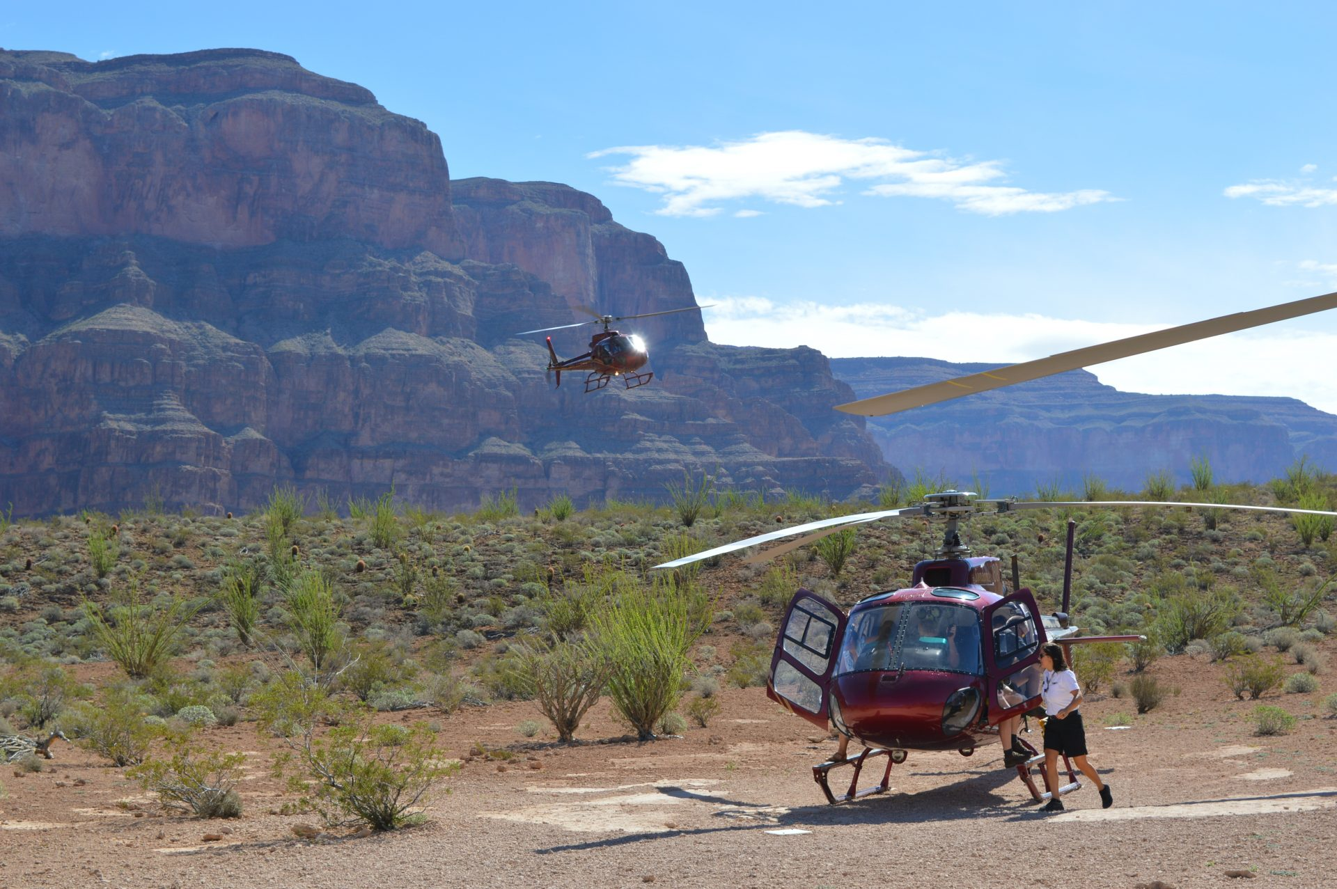 helicopters landing in grand canyon with Helicopter Tour Of The Grand Canyon With Sundance Helicopters on 20141009 cfms Leap Engine Takes Skies additionally Atv Adventure And Grand Canyon Helicopter Flight also 481 in addition LocationPhotoDirectLink G60881 D553004 I48629145 Papillon Grand Canyon Helicopters Boulder City Nevada further Helicopter Tour Of The Grand Canyon With Sundance Helicopters.