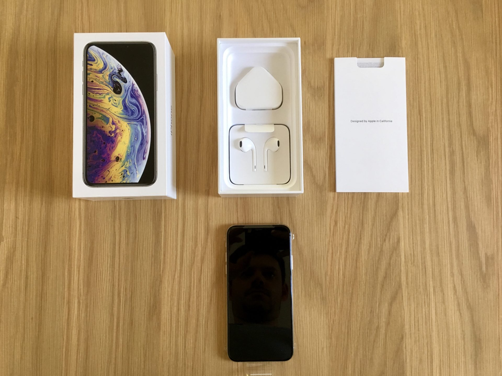 iPhone XS Silver Unboxed