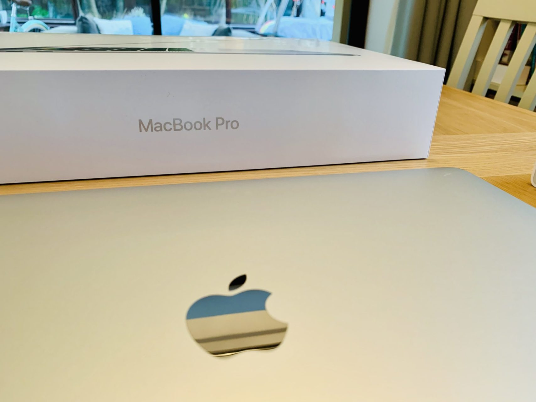 Apple MacBook Pro 15 inch unboxing